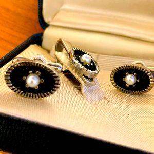 Vintage black/silver/pearl tie clip & cufflinks